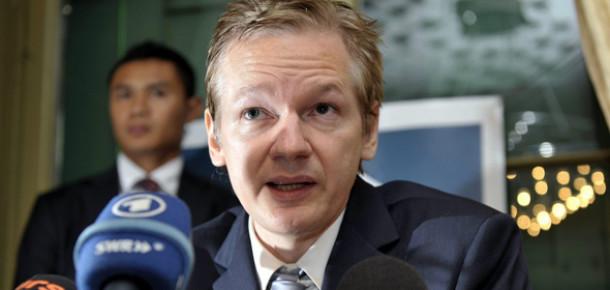 Julian Assange'ın İsveç'e İadesine Karar Verildi