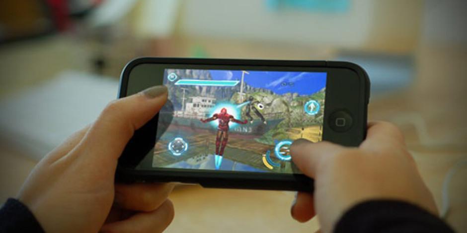 Akıllı Telefonların Yaygınlaşması Oyun Konsolu Üreticilerini Rahatsız Ediyor