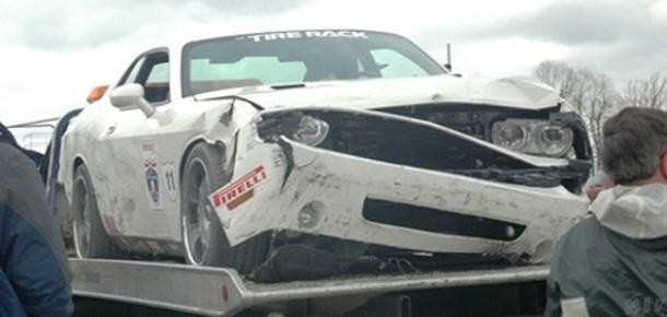 Chrysler'in Twitter Hesabı Duvara Tosladı