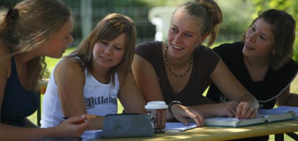 Şirketler İçin Sosyal Medya Üzerinden Öğrencileri Etkileme Sanatı