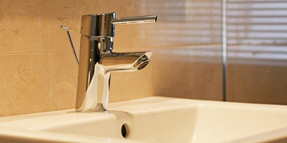Erkeklerin %50'si Tuvalette İnternete Mobilden Erişiyor
