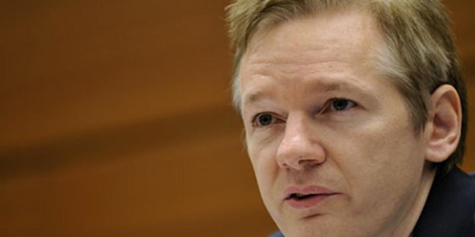Julian Assange, Facebook'u Amerikan İstihbaratına Hizmet Etmekle Suçladı