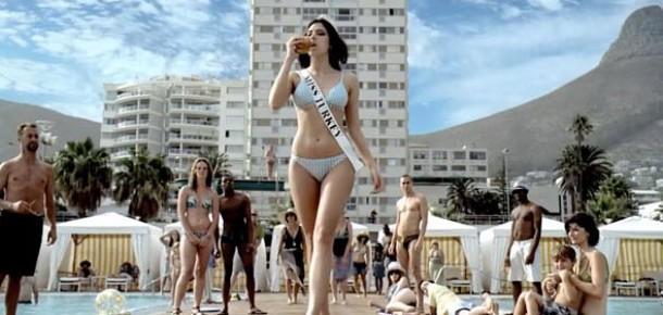 Miss Turkey'nin Hardee's Bikinisi eBay'de Satılık
