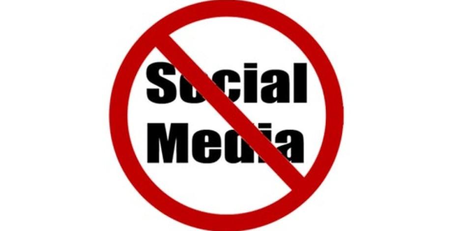 İngiltere'deki Şirketlerin Yarısı İş Yerinde Sosyal Medyayı Yasaklıyor!