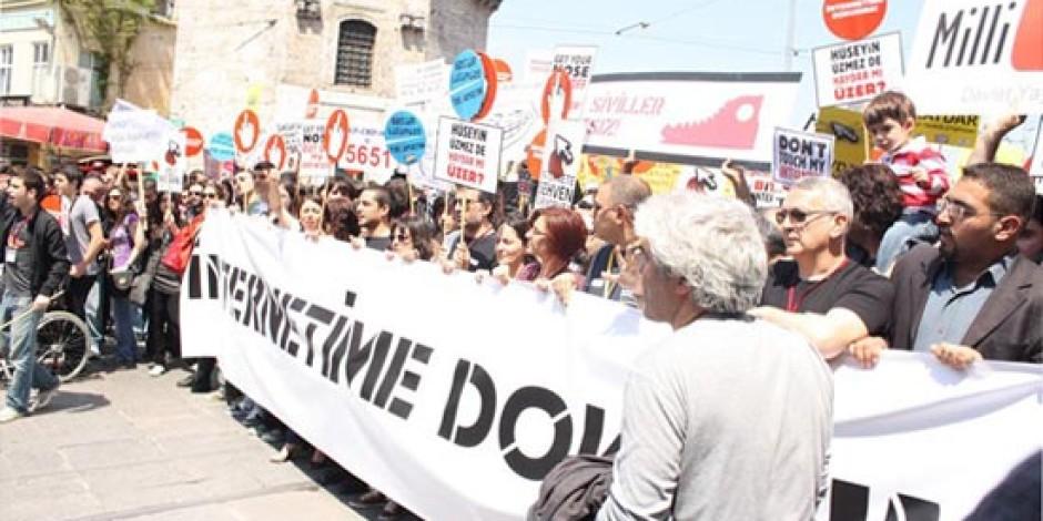 İnternet Sansürü Protestoları Konvansiyonel Medyada Neden Yer Almadı?