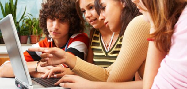 Gençler Artık İnternetsiz Yaşayamıyor