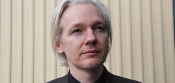 İngiliz Mahkemesi Julian Assange'ın İsveç'e İadesine Karar Verdi
