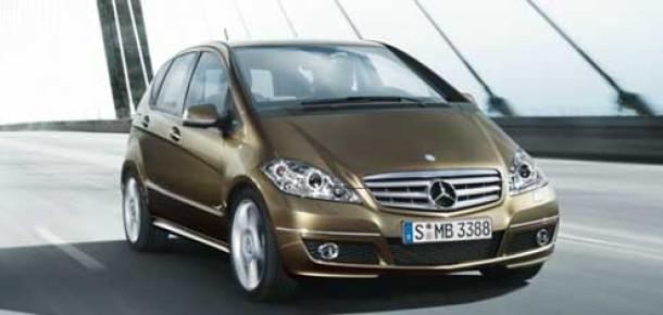 Mercedes Benz, A Serisi Otomobillerine iPhone ve Siri'yi Entegre Ediyor