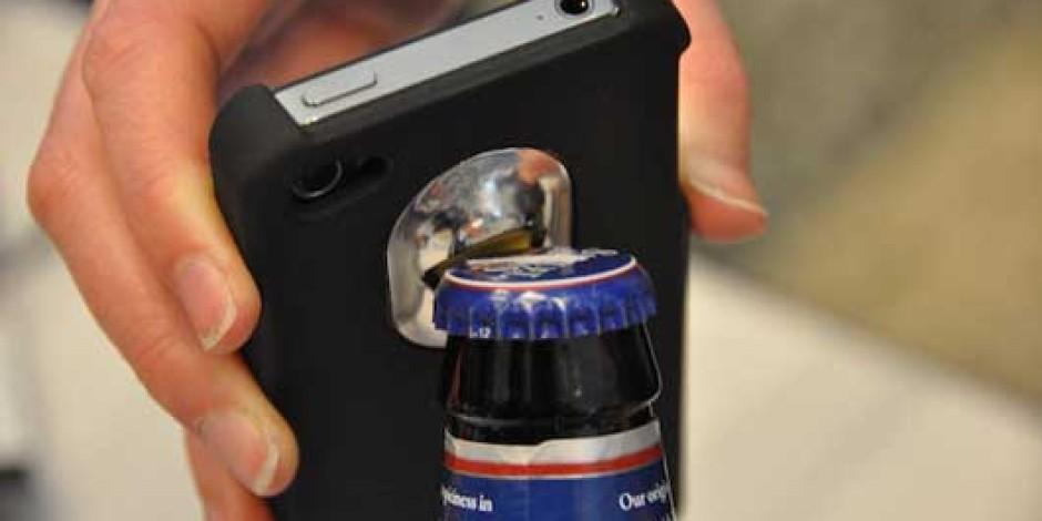 Intoxicase, iPhone'u Şişe Açacağına Dönüştürüyor
