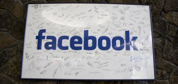 Facebook, İlk Çeyrekte 1 Milyar Dolar Gelir Elde Etti