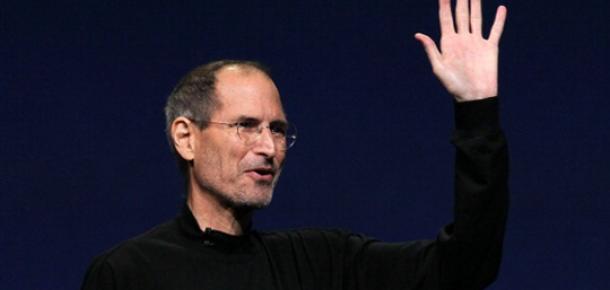 Steve Jobs'un Biyografisini Social Network'ün Senaristi Sinemaya Uyarlayacak