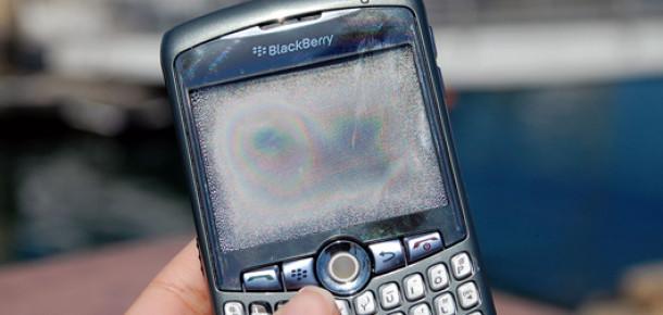 RIM Düşüşten Blackberry'i Satarak mı Kurtulacak?