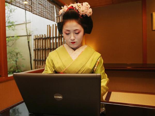 Asya'da Online İnsan Sayısı 1 Milyara Ulaştı