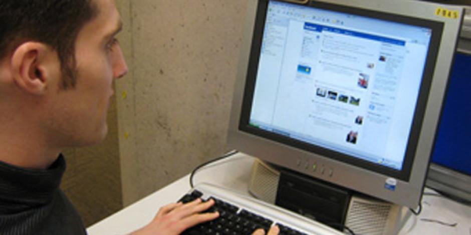Facebook 1 Milyar Kullanıcıya Ulaştı