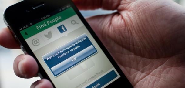 Facebook Durum Güncellemesi Paylaşımlarına Yeni Kalıplar Ekliyor