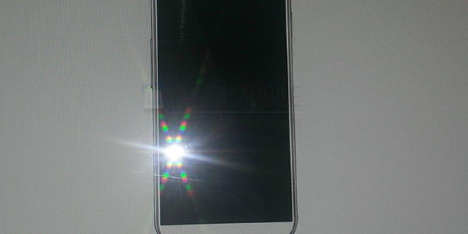 Samsung Galaxy S IV'e Ait İlk Fotoğraf Sızdırıldı