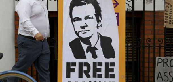 Julian Assange, Wikileaks Partisi ile Avustralya'da Politikaya Atılıyor