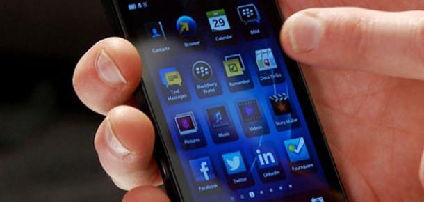 Blackberry'nin Yeni İşletim Sistemi Blackberry 10 ve Yeni Akıllı Telefonu Z10 Tanıtıldı