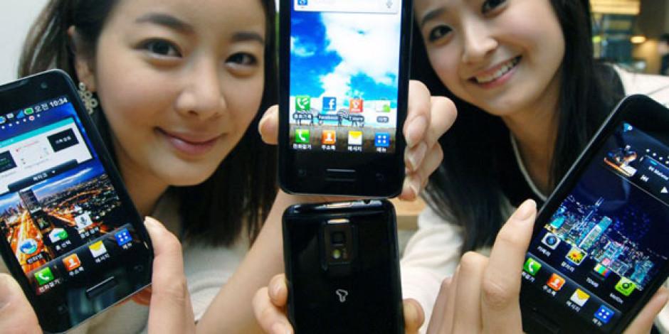 Akıllı Telefon Satışları 2013'te Cep Telefonu Satışlarını Geçecek