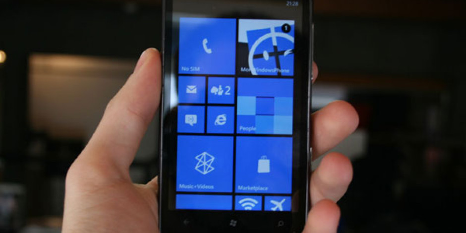 Windows Phone 7 Ülkede iPhone'u Geçti