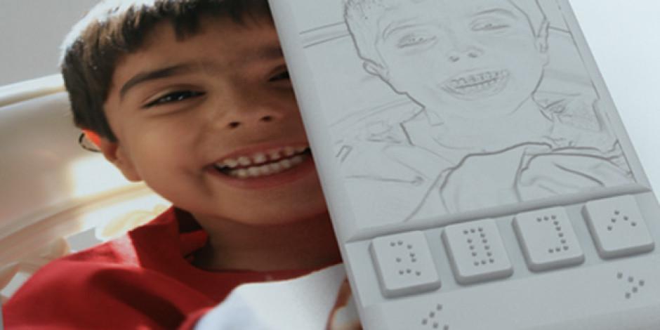 Dünyanın Görme Engelliler İçin Üretilen İlk Akıllı Telefon Satışa Çıkıyor