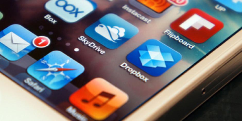 Jony Ive iOS 7'nin Tasarımında Sadeliği Ön Plana Çıkaracak
