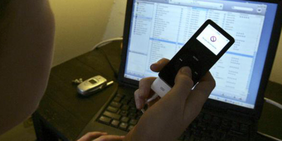 Dijital Müzik Gelirleri Radyoyu Geride Bıraktı