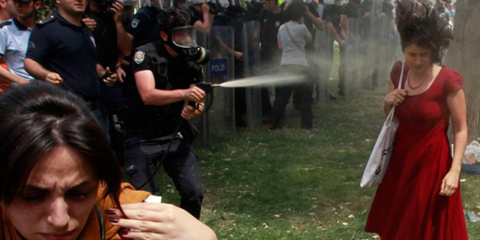 Orantısız Güç Kullanan Polis Twitter'dan Tespit Edilecek