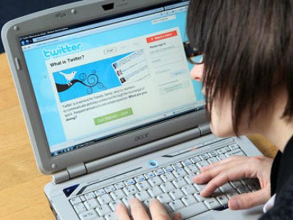 Gençler Arasında Twitter Facebook'tan Daha Popüler [Araştırma]