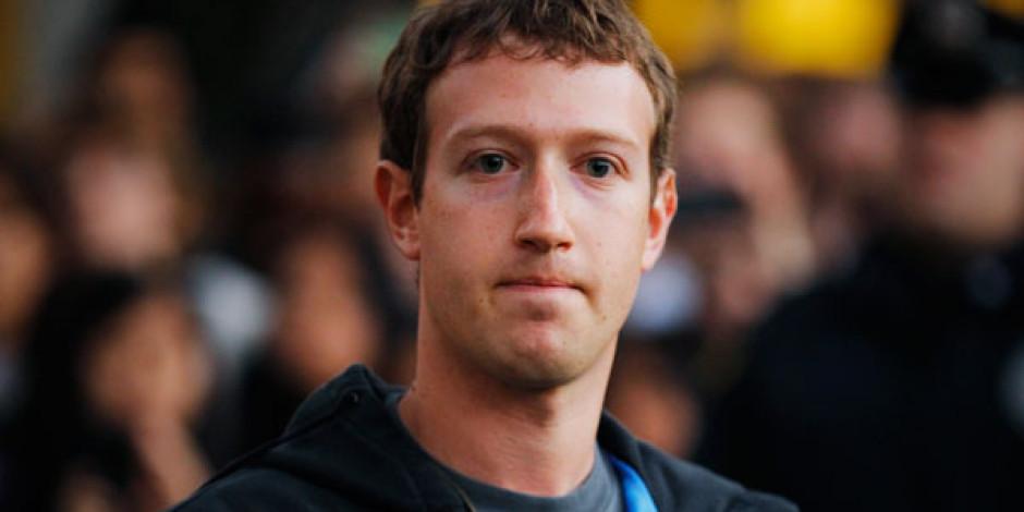 Facebook'un Reddettiği Açığı Mark Zuckerberg'in Duvarında Gösterdi