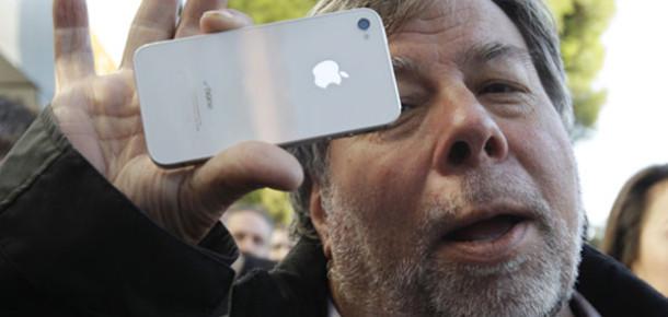 """Steve Wozniak: """"Apple, iPhone Israrından Vazgeçmeli"""""""