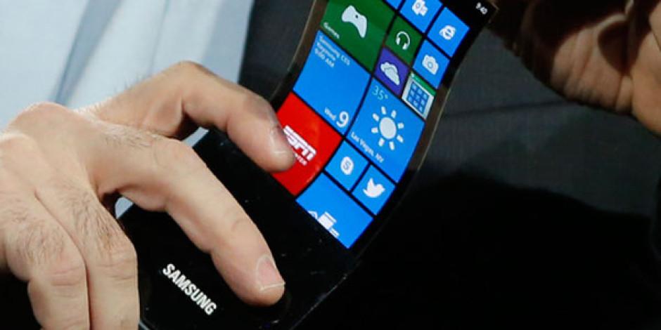Samsung'un Esnek Ekranlı Akıllı Telefonu Ekim'de Geliyor