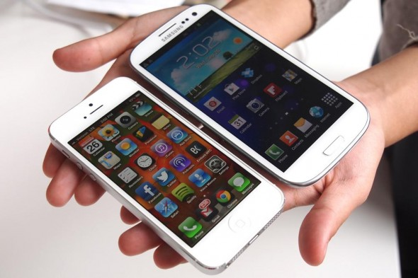 iPhone 5 ve Galaxy S4