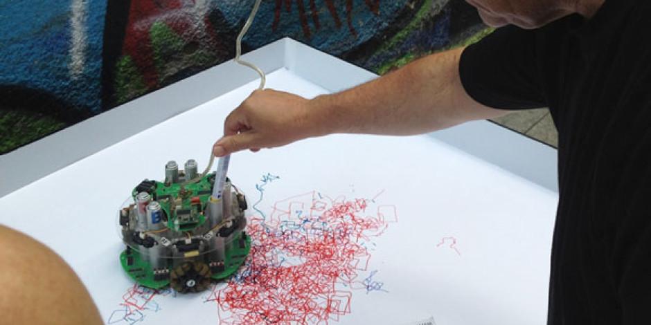 Akbank Caz Festivali'nin Tişört Tasarımları Bu Yıl Robocaz'dan