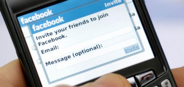 Facebook BlackBerry'yi Satın Alabilir