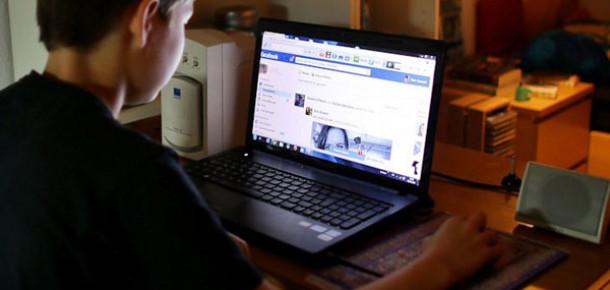 Facebook, Gençler Arasındaki Popülaritesinin Azaldığını Kabul Etti