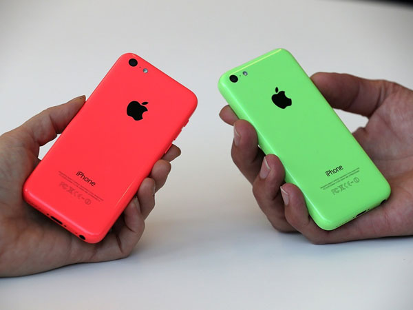 Apple iPhone 5C Üretimini Yarıya Düşürüyor