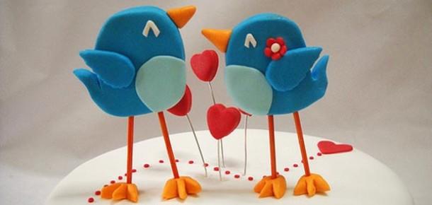 Birine Aşık Olabilmek İçin 224 Tweet ve 70 Facebook Mesajı Yeterli