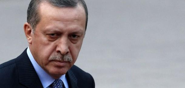 """Erdoğan'ın """"Facebook ve YouTube'u Kapatabiliriz"""" Çıkışına Tepki Yağıyor"""