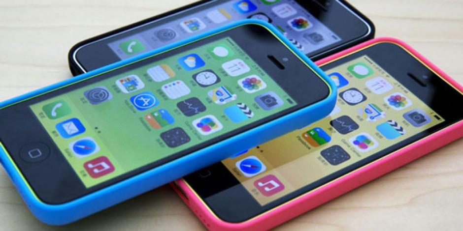 Apple Pahalı Bulunan iPhone 5C'nin Uygun Fiyatlı Versiyonunu Çıkarıyor