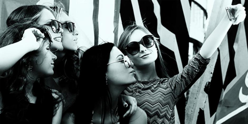 Selfie çılgınlığına bir yenisi eklendi: Ussie