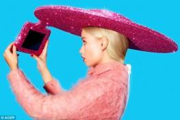 1410533439749_wps_33_The_Selfie_Hat_Acer_x_Chr