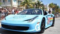 Twitter'da Nissan'dan Ferrari'ye Nyan Cat ile gönderme