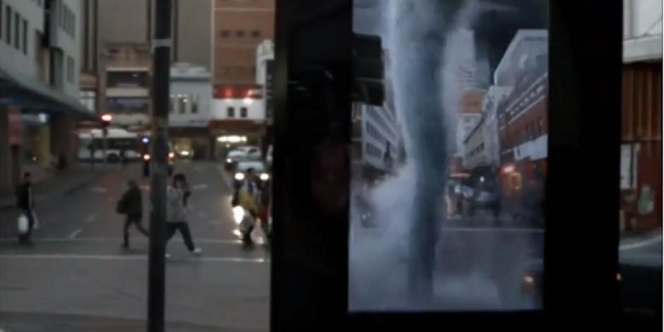 Fırtınanın İçinde filmi için artırılmış gerçeklik temelinde hazırlanan reklam panosu