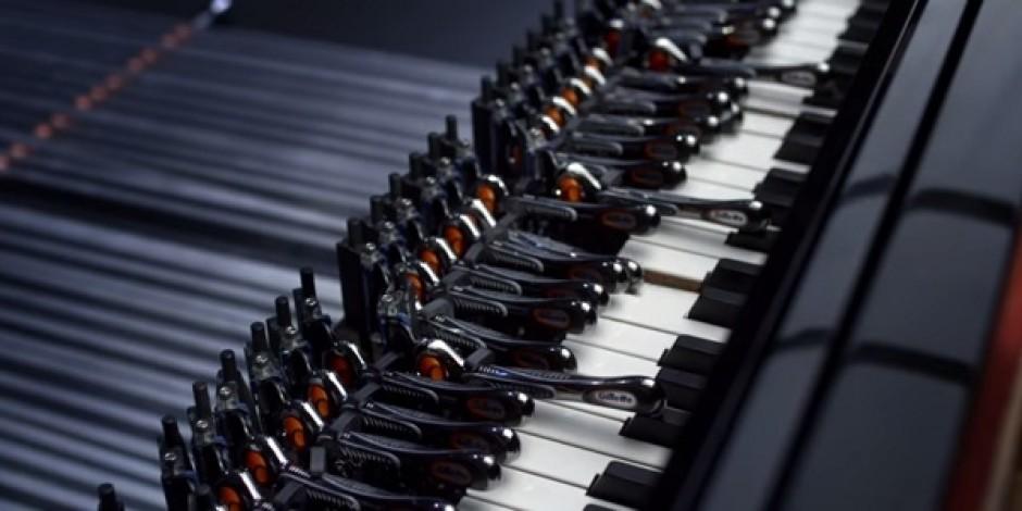 Gillette'le piyano performansı