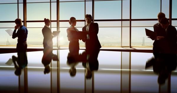 İş dünyasında yeni tanıştığınız kişilerle olan diyaloglarınızda yer almaması gereken cümleler