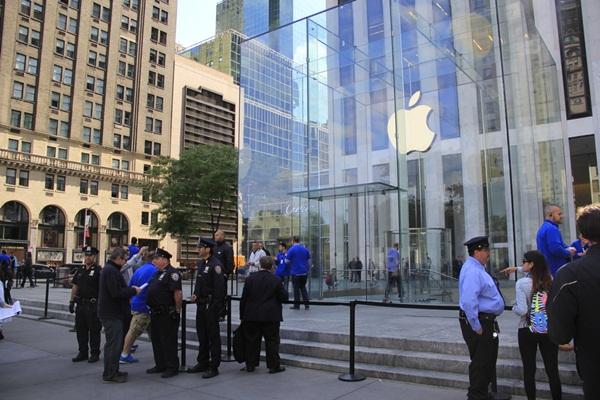 apple-glass-store