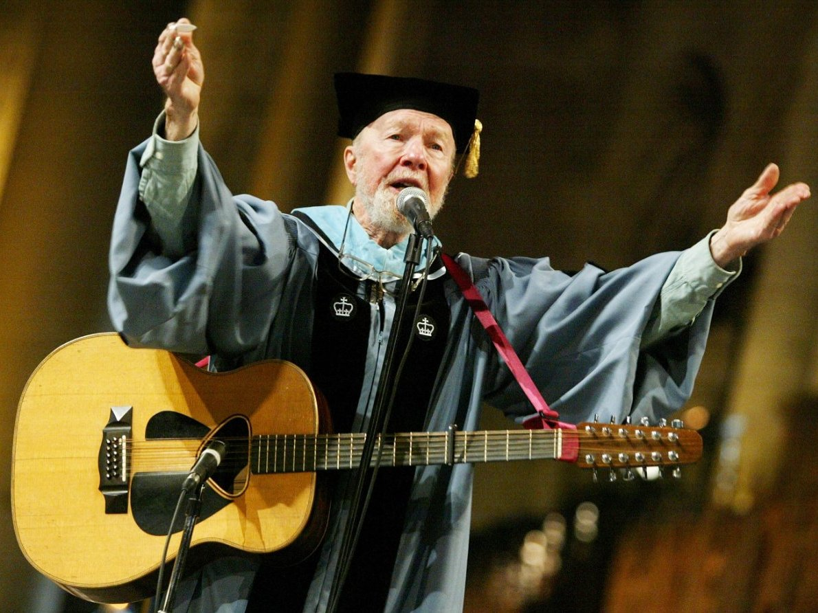 pete-seegers-passion-for-folk-music-took-priority-over-his-studies-causing-him-to-lose-his-scholarship-and-drop-out