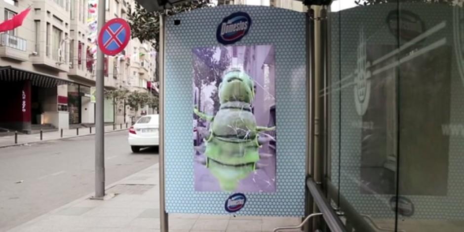 Domestos'un otobüs bekleyenleri şaşırtan artırılmış gerçeklik işi