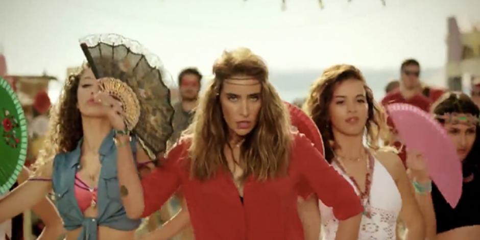Özcan Deniz ve Sıla ile Coca Cola'nın yeni reklamı sosyal medyada eleştiri odağı oldu